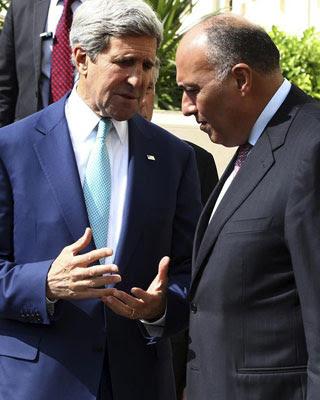El secretario de Estado estadounidense, John Kerry, y el ministro de Asuntos Exteriores egipcio, Sameh Shukri.