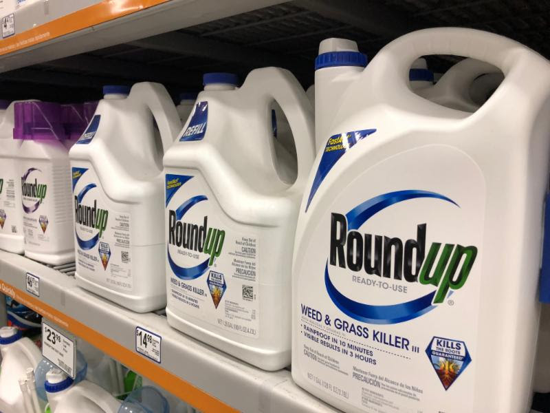 Roundup on shelves