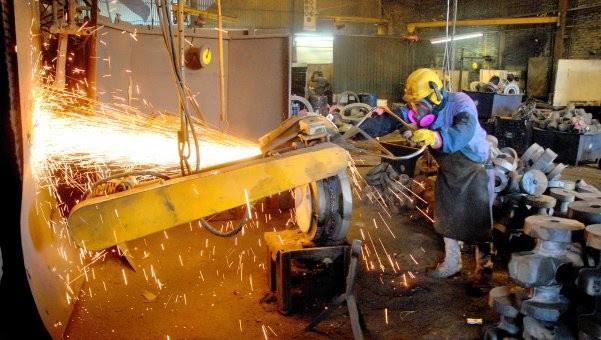 Se aceleró la destrucción de empleo industrial