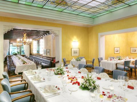 Il Ristorante Grand Café preparato per un convivio