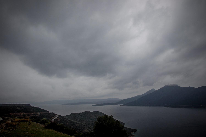 Καιρός: Αλλαγές σκηνικού σήμερα με βροχές και χιόνια στα ορεινά