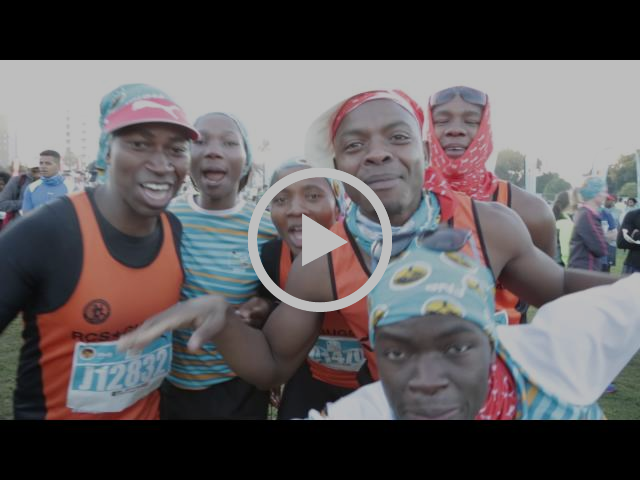 2016 FNB Cape Town 12 ONERUN on route entertainment