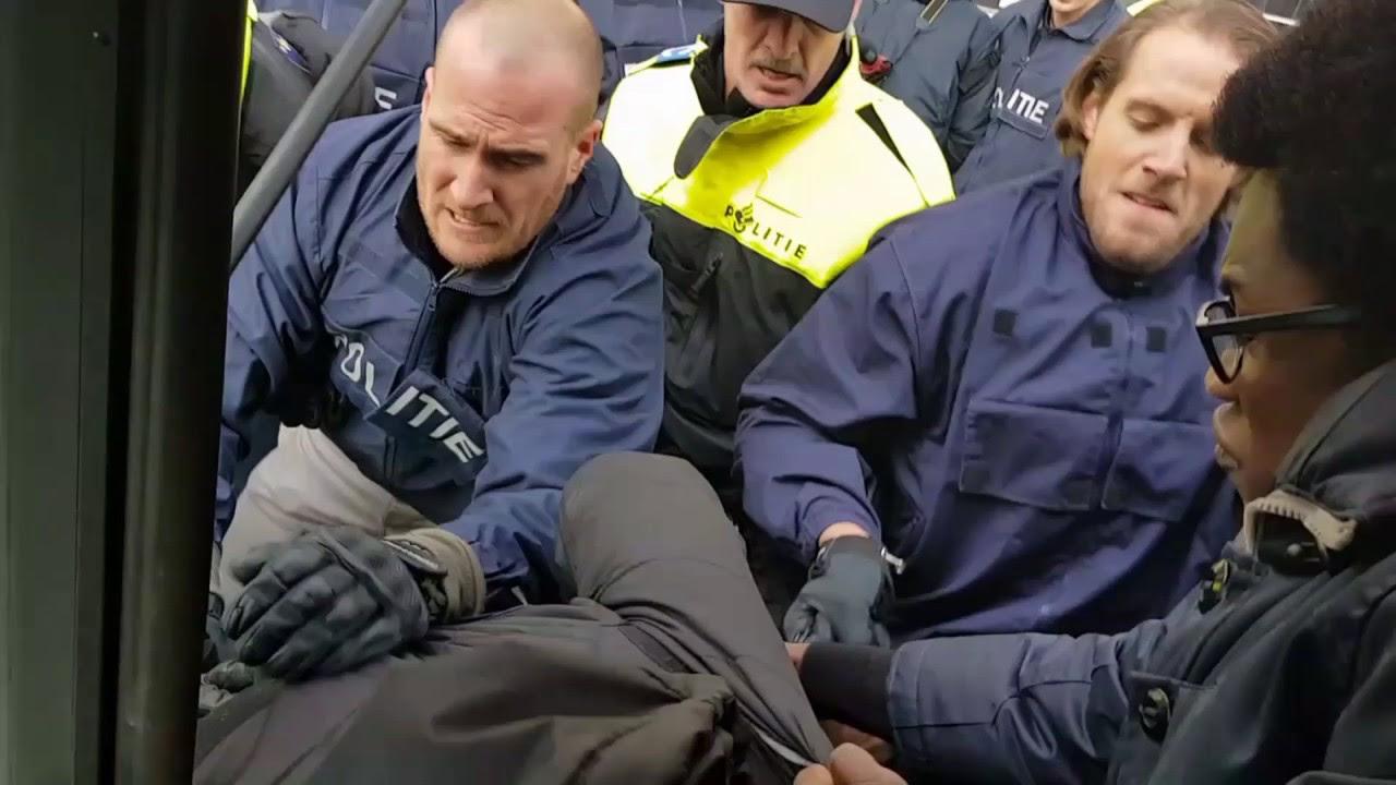 Image result for Politieoptreden Rotterdam tegen Zwarte Piet activisten/Images