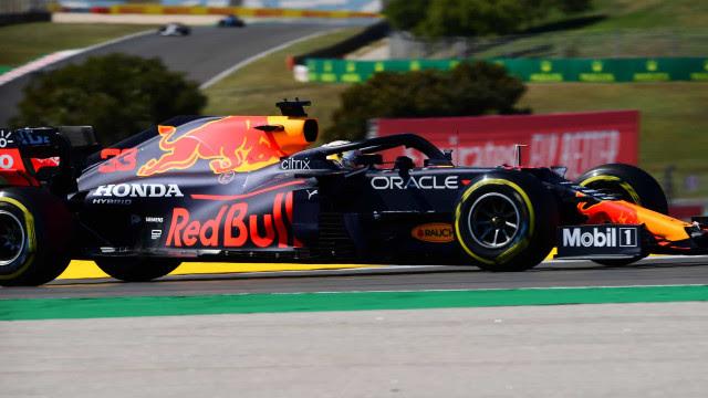 Verstappen passeia em Spielberg, ganhando GP na casa da Red Bull de ponta a ponta