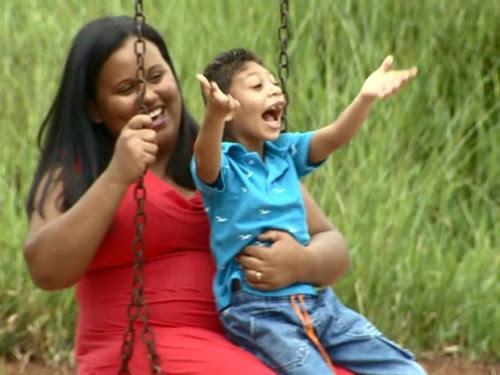 'Microcefalia não é o fim', diz Gessiane que comemora as conquistas do filho Jhon