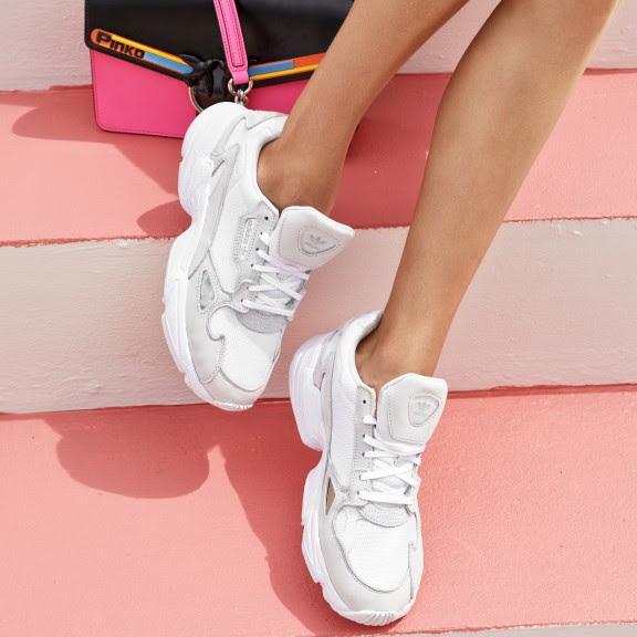 Cipők fesztiválozóknak - Női sneakers cipők