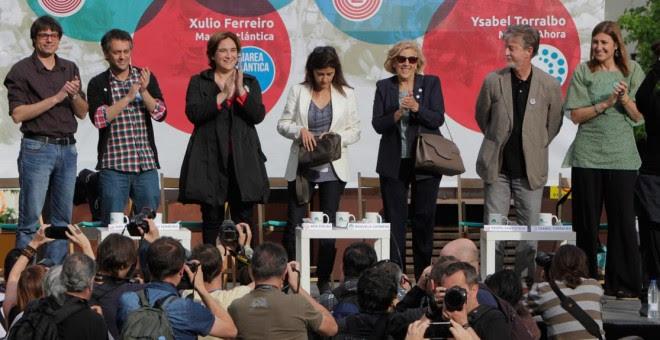 Xulio Ferreiro, en un acto en Madrid junto a Ada Colau, Manuel Carmena y otros candidatos a las municipales. / SANDRA G. REY (MA)