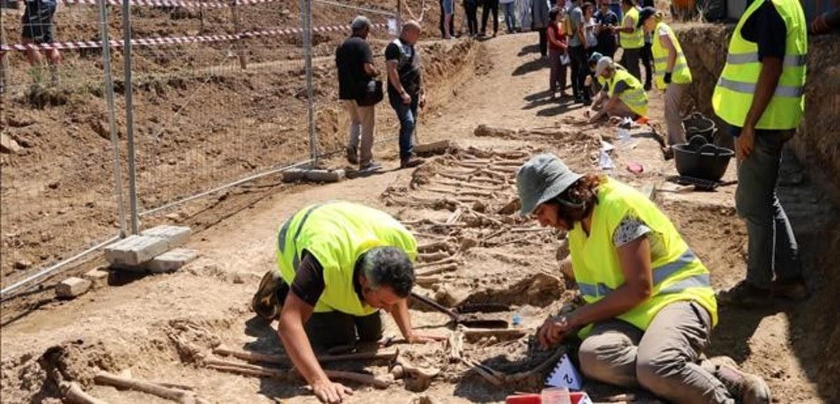 Localizan 17 cadáveres en la primera exhumación del plan de fosas de la Generalitat