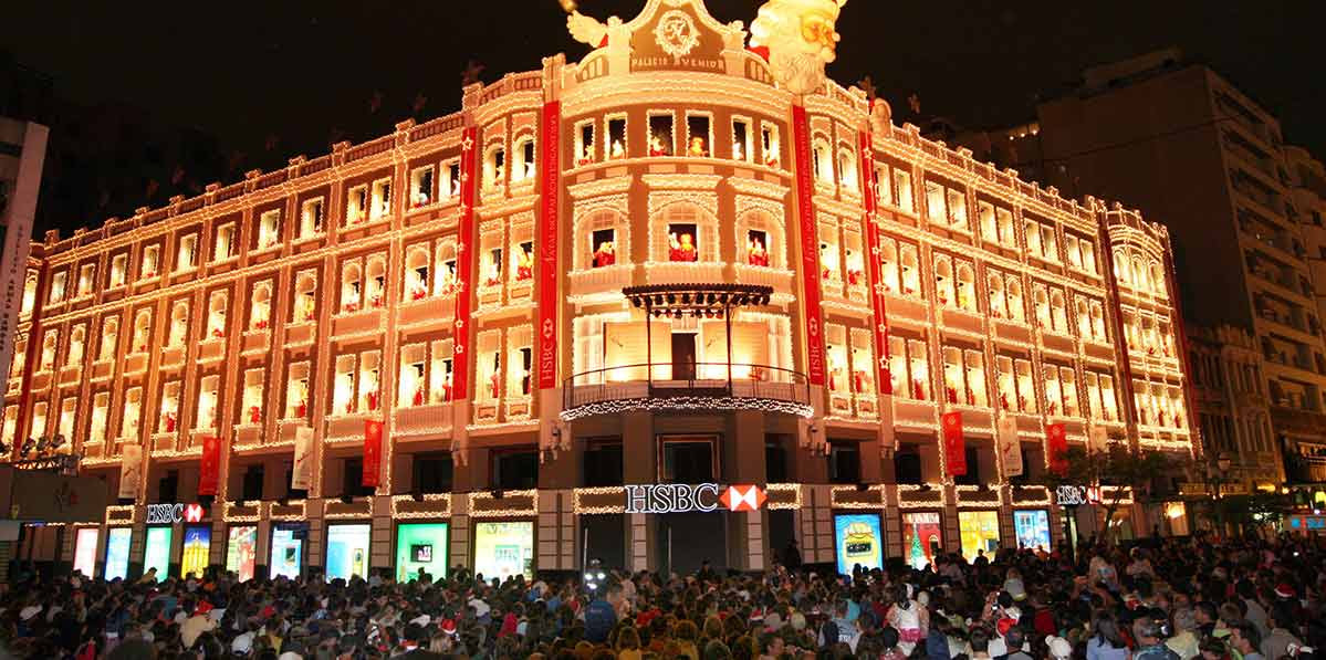 Espetáculo Coral das Janelas em Curitiba