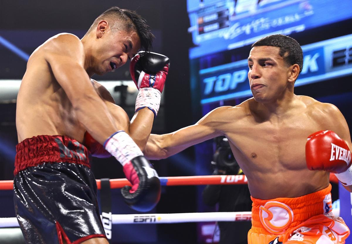 Eric Puente and Omar Rosario remain undefeated with wins in Las Vegas | Boxen247.com