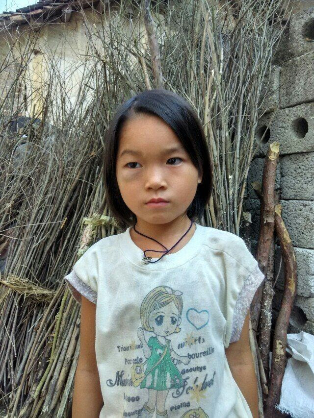 Qin Liling is 8 years old and in the second grade.