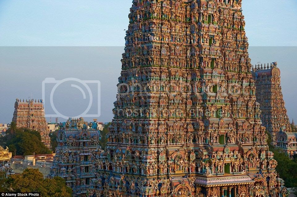 Để bảo tồn đền, tượng các vị thần được sửa chữa, sơn lại và thực hiện các nghi lễ 12 năm một lần.