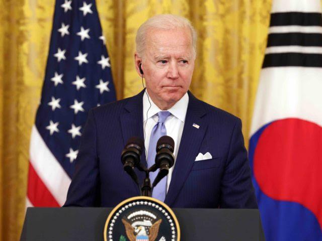 Joe Biden silent (Anna Moneymaker / Getty)