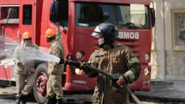 Mãe e três filhos morrem durante incêndio em indústria química em SP