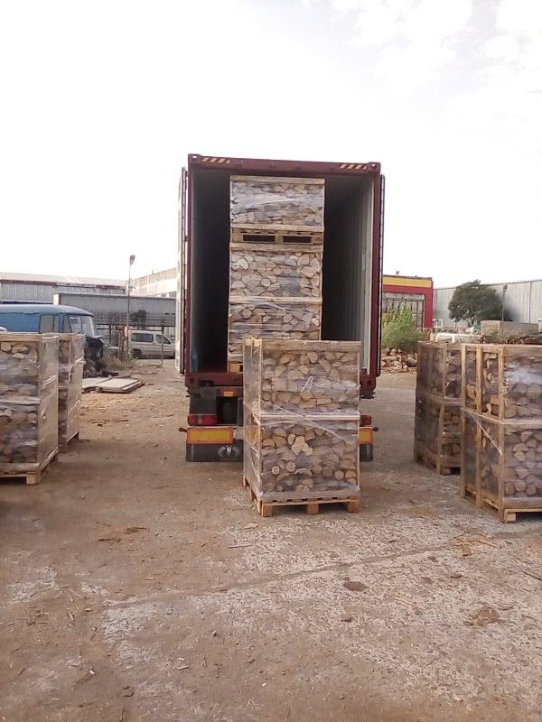 pallets loading