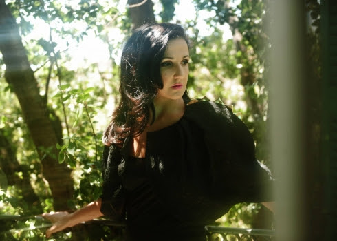 Tania Saleh, mélodies douces pour temps amers