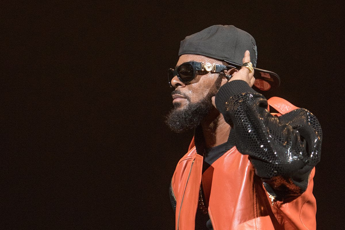 Investigators looking into 'sex cult' accusations from R. Kelly documentary