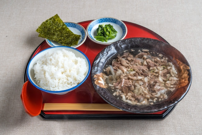 牛吸い朝定食【大】:600円(+税)