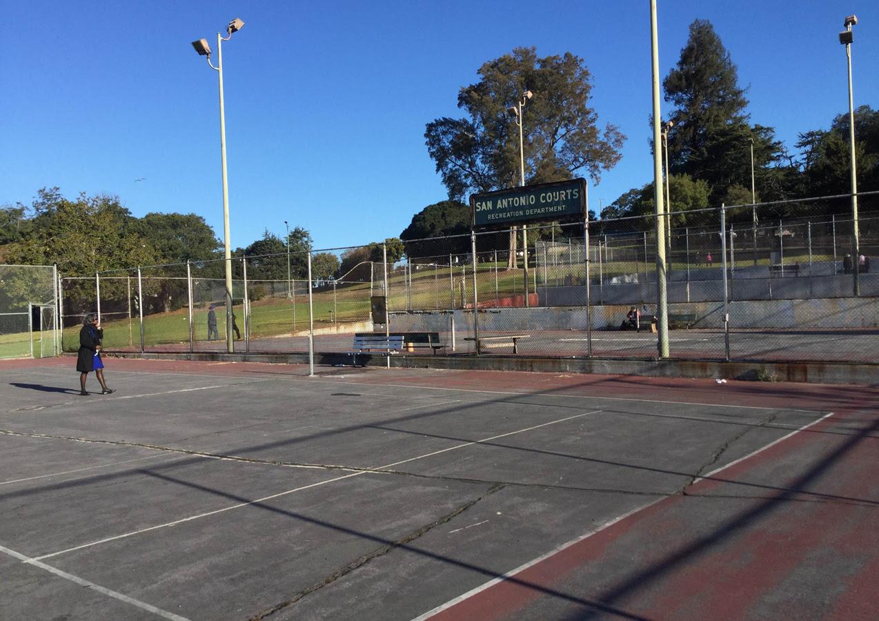 tennis-courts_(1).jpg