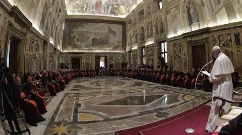 Papa Francisco confirma el compromiso de la Iglesia para erradicar los abusos