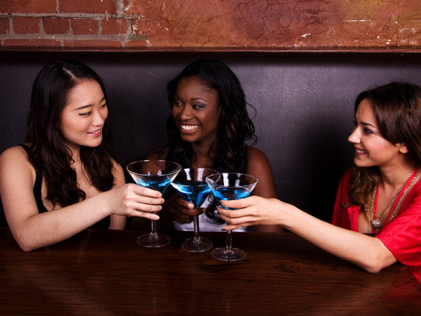 istock-women-drinking