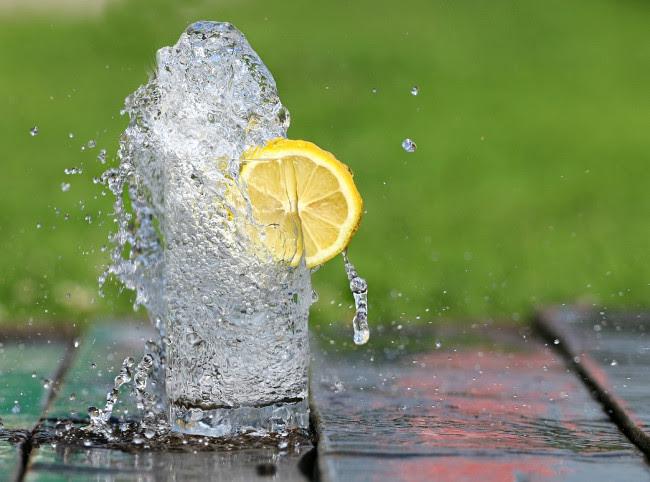 Nên cung cấp đủ nước mỗi ngày cho cơ thể