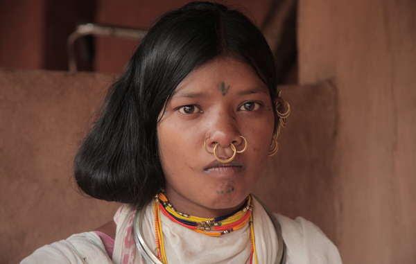 Kuni Sikaka è stata arrestata e fatta sfilare di fronte ai media. È un'attivista e parente di due importanti leader dongria.