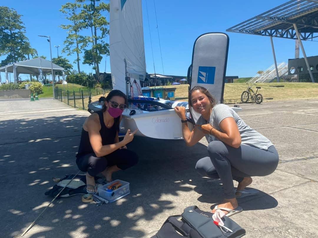 Novo barco das atletas Fernanda Oliveira e Ana Barbachan para a disputa dos Jogos Olímpicos de Tóquio é batizado no Rio de Janeiro