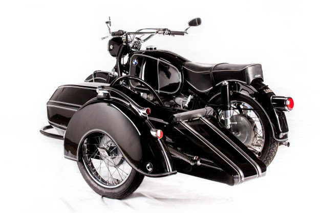South African BMW experts Cytech have paired a BMW R69S with a 50s-model Steib sidecar.
