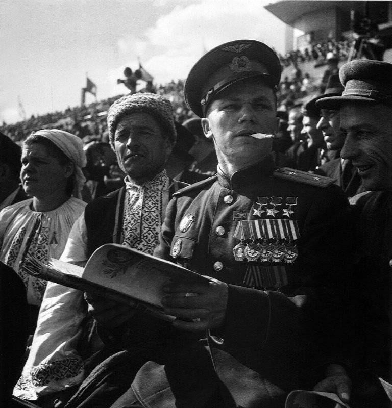 80 лет назад было учреждено звание Героя Советского Союза