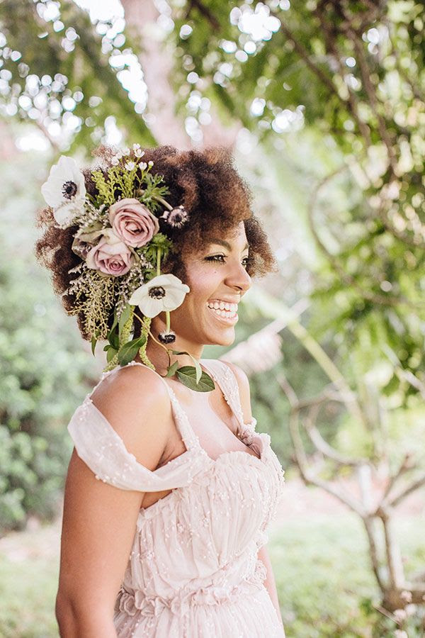 Real Flower Wedding Hair | Whimsical Enchanted Forest Wedding Dream On Soft Beds Of Green | Photograph by What a Day! Photography  http://storyboardwedding.com/whimsical-enchanted-forest-wedding/