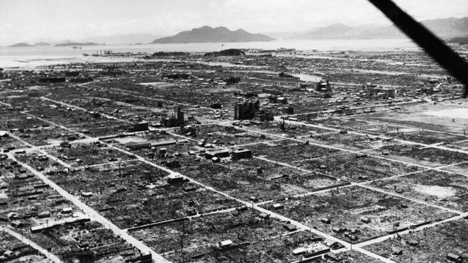 Hiroshima arrasada depois da bomba em 6 de agosto de 1945