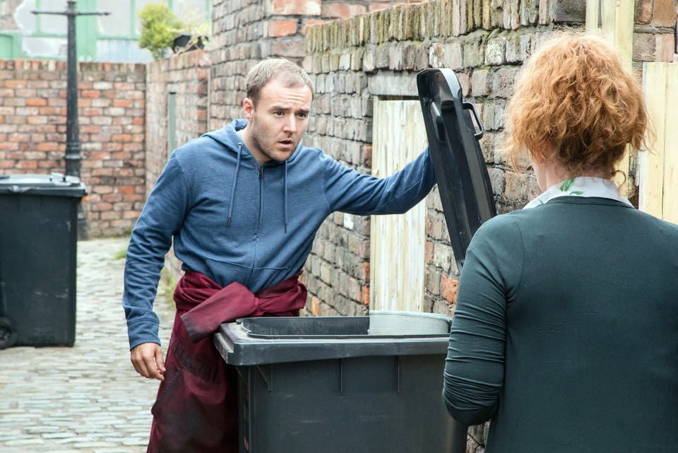 Maria's bloody carpet is found in Fiz and Tyrone's bin