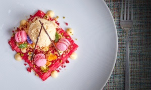 5* A La Carte Dining with Fizz at Jumeirah Lowndes Hotel