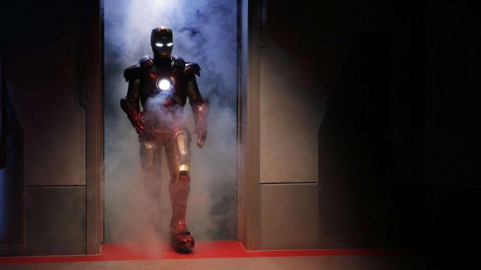 Pour ses propriétés, l'hinokitiol a été surnommée Iron Man