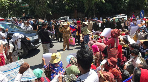 Cambodian Court Sentences Dissidents, Land Activists to One-Year Prison Terms