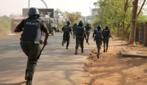 Nigeria: Muslim suicide bombers try to enter church, are stopped, blow themselves up outside the church building