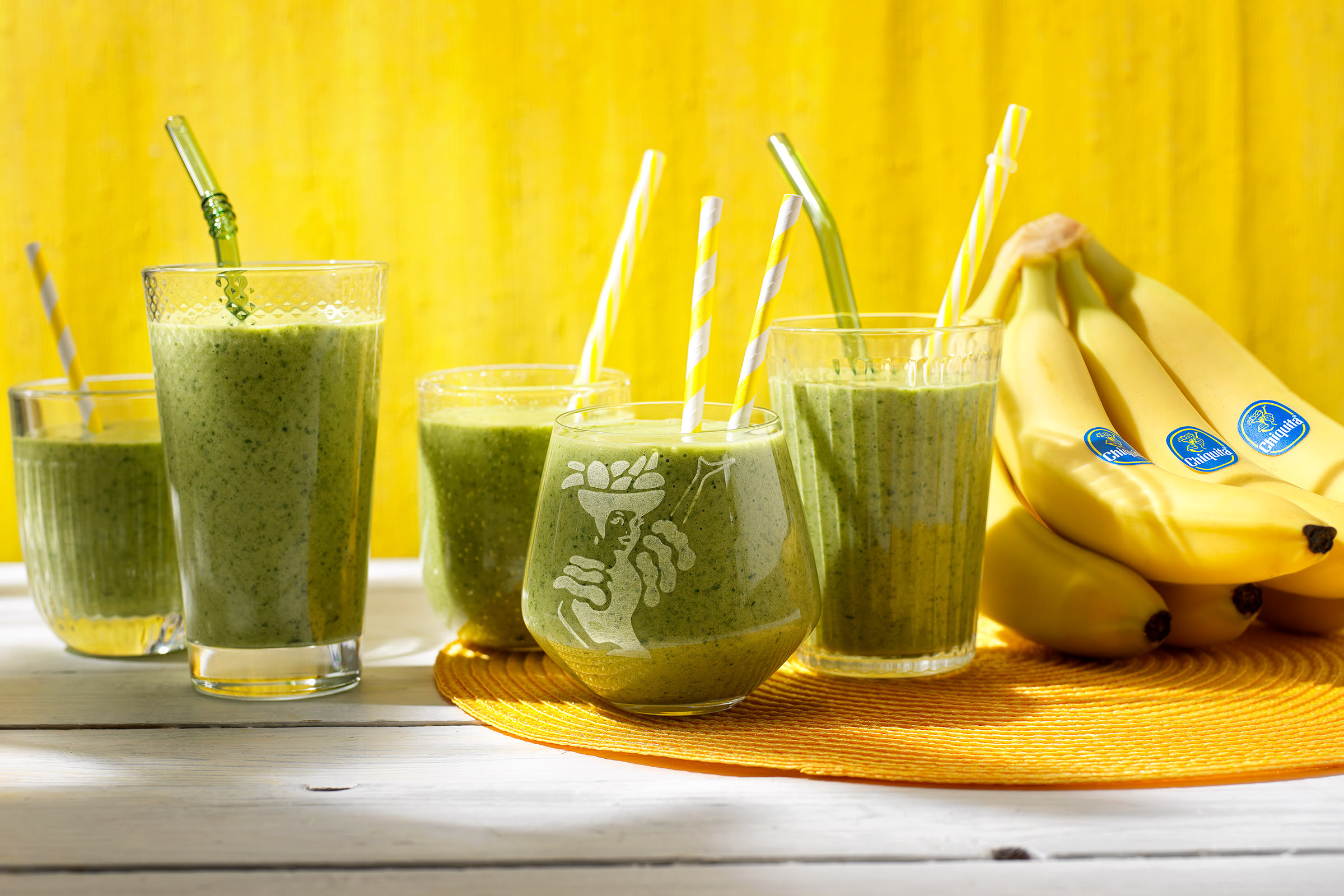Healthy-spinach-Chiquita-banana-smoothie (1).jpg