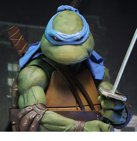 TEENAGE MUTANT NINJA TURTLES 1/4 SCALE LEONARDO