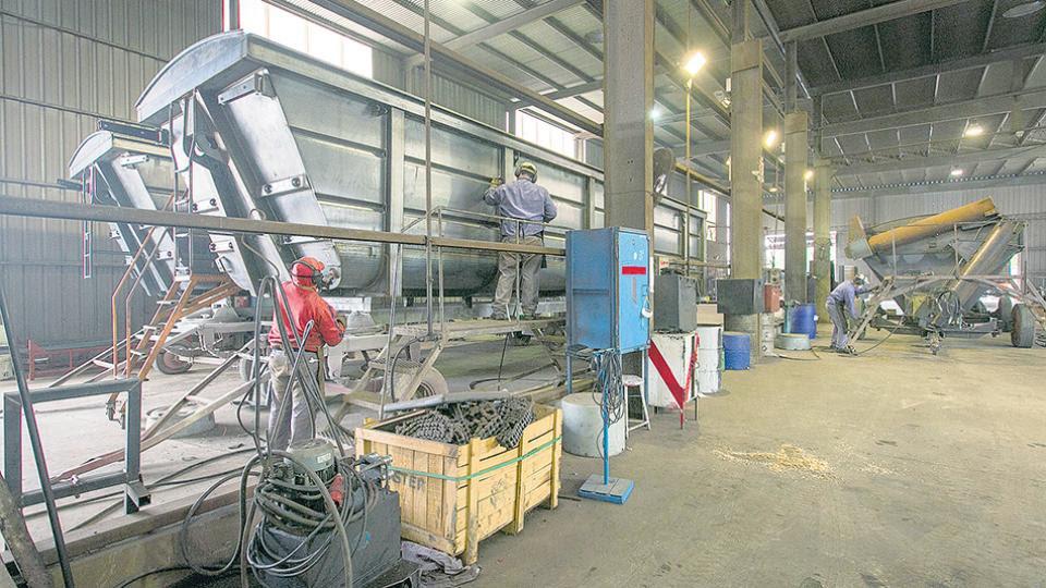 La industria manufacturera retrocedió 5,3 por ciento interanual.