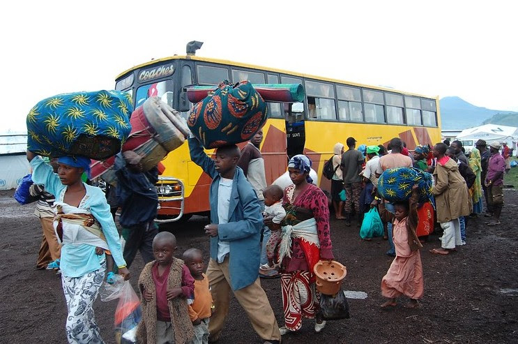 Refugees in transit from the border with DRC to Rwamwanja, Uganda - DFID/Flickr