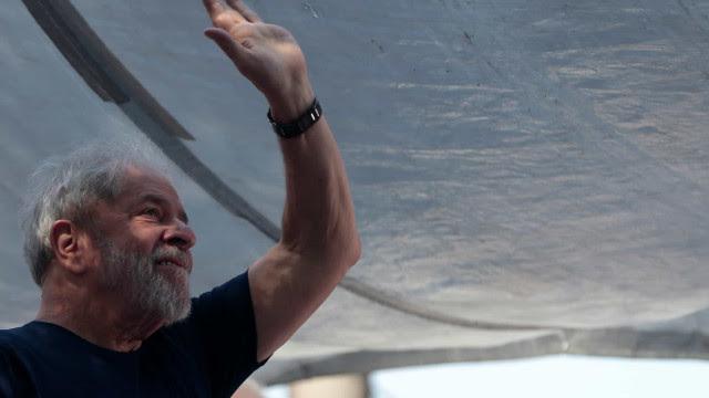 Lula amplia vantagem e venceria Bolsonaro no 2º turno, diz pesquisa Genial/Quaest