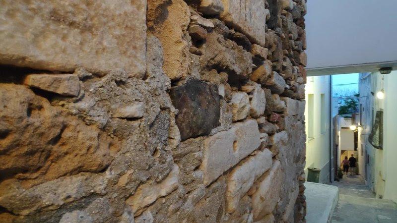 Τείχη στη Πάξο