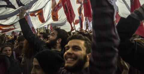 Seguidores de Syriza en el mitin del jueves en Atenas.