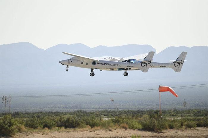 Máy bay chở theo tàu vũ trụ VVS Unity đã cất cánh.