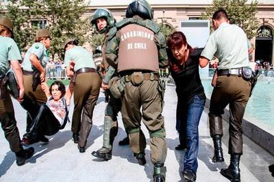 Represión en Santiago de Chile
