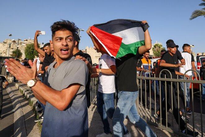 Des Palestiniens manifestent contre la présence d'Itamar Ben-Gvir, chef du parti d'extrême droite, à Jérusalem-Est, le 10 juin 2021. © Photo Emmanuel Dunand / AFP