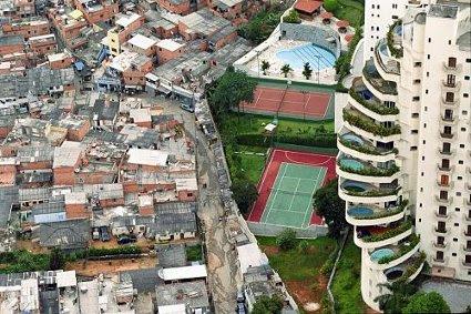http://www.ciudadredonda.org/admin/upload/Image/ronrolheiser/pobres-y-ricos.jpg
