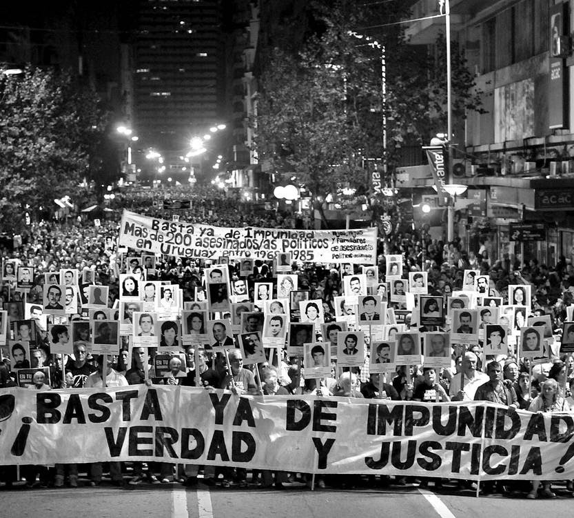 Marcha del silencio, ayer,en 18 de Julio : Foto Federico Gutierrez