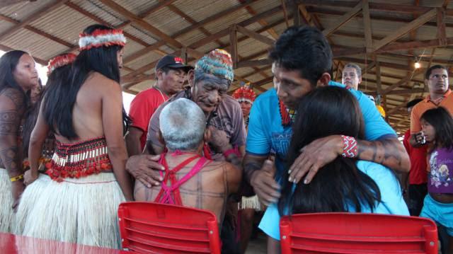 OPINIÃO   Na Amazônia, as bibliotecas estão sendo incendiadas
